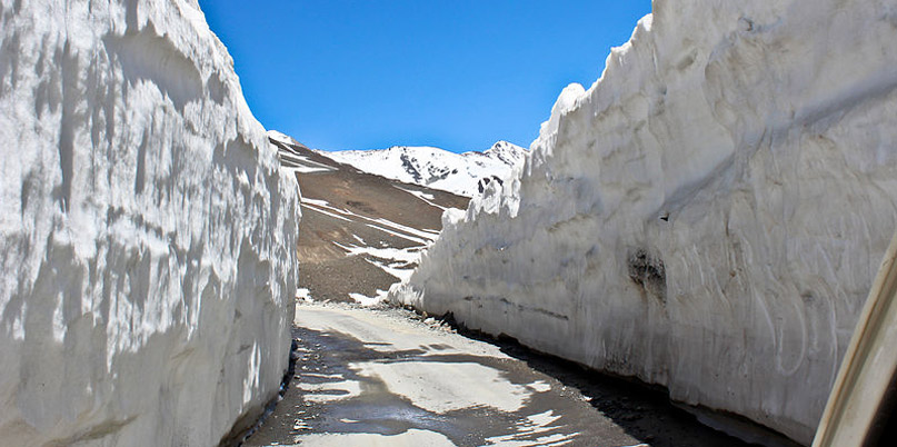 Rohtang pass, Manali to Leh highway, Manali to Leh road trip, Best Road Trips in India, Tata Motors